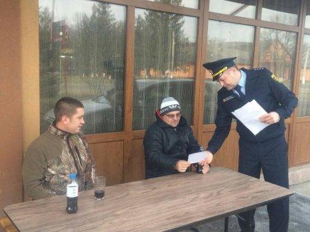 Закарпатські рятувальники вчать людей як не зазнати вогняної біди взимку