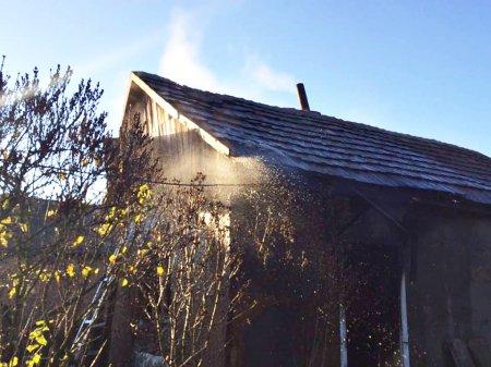 На Виноградівщині в будинку згоріли двоє чоловіків, власник обістя та його друг(ФОТО)