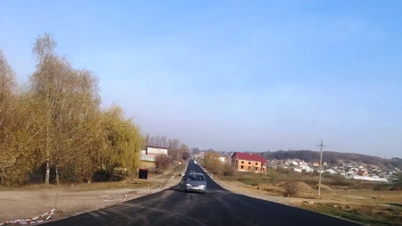 Дорожні служби зробили відрізок дороги Виноградів – Онок та припинили роботи (відео)