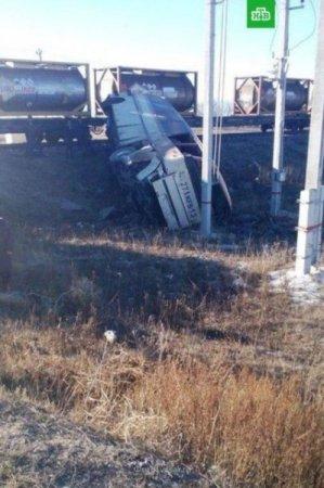 Страшна ДТП на переїзді: поїзд влетів у рейсовий автобус, перші подробиці трагедії