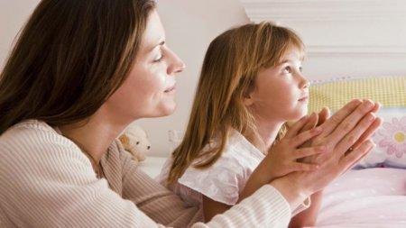 5 ідей як навчити дитину молитися