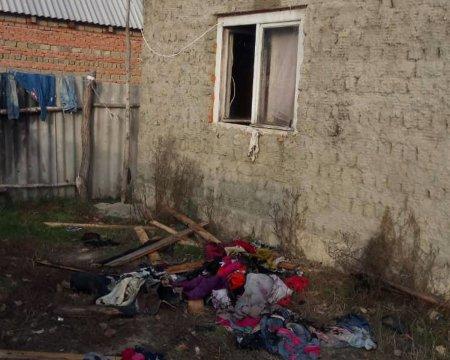 На Берегівщині через пожежу багатодітна родина могла залишилася без даху над головою (ФОТО)