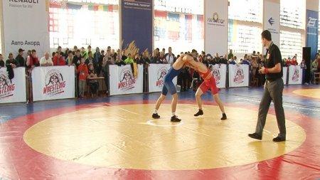 У Мукачеві завершився турнір з боротьби імені М. Токаря