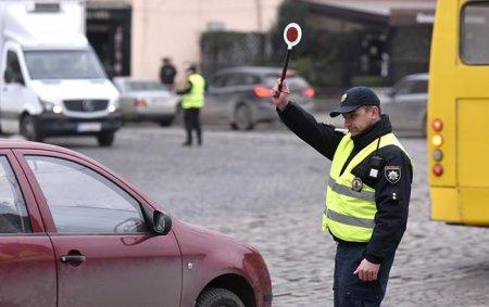 Ужгород посів 21 місце у рейтингу обласних центрів по дотриманню одного з правил дорожнього руху (відео)