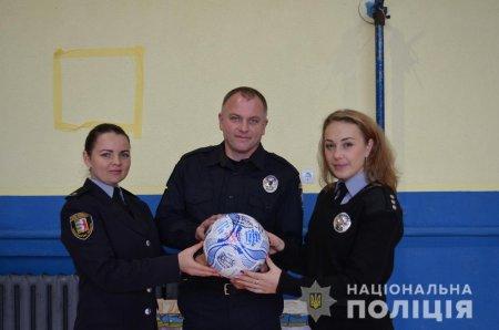Закарпатські правоохоронці прийняли естафету всеукраїнського флешмобу «Ми – одна команда»  (ФОТО, ВІДЕО)