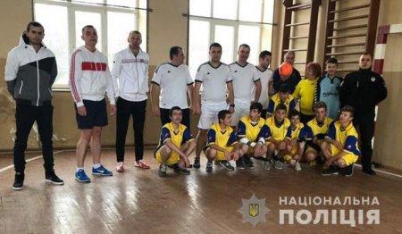 Поліція Берегівщини  приєдналася до футбольного флешмобу «Ми одна команда» (ФОТО)