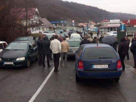 """""""Євробляхери"""" знову атакують: на яких КПП утворилися затори"""