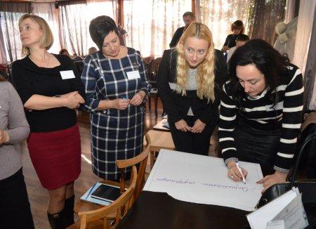 Працівників служб у справах дітей області ознайомили з новою системою захисту дітей
