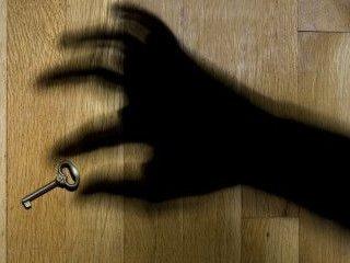 Закарпатця, який шахрайським шляхом заволодів чужою квартирою, засуджено до 6 років позбавлення волі