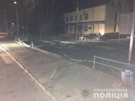 Свалявські поліцейські затримали нетверезого водія, який пошкодив чужі автомобілі та чинив опір правоохоронцям