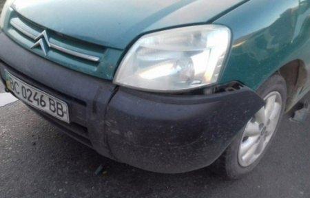 Зіштовхнулися три автомобілі: ДТП на Мукачівщині (ФОТО)