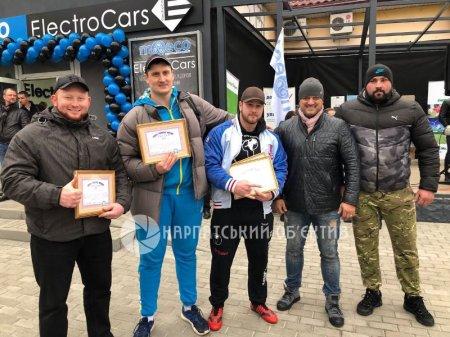 Хустські стронгмени встановили нові рекорди України