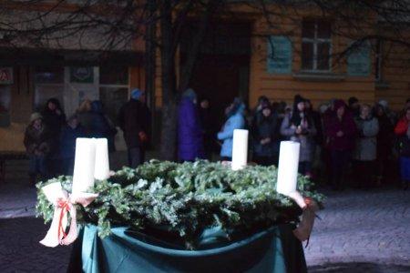 Ось і запалено першу свічку Адвента (фото)