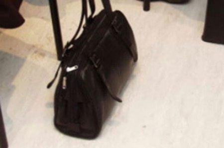 Будьте обережні! В Берегові на ринку крадуть сумки
