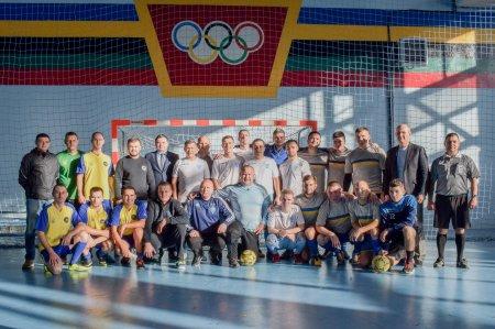 """У спортивному комплексі """"Юність"""" до Дня збройних сил України пройшов турнір з міні-футболу (ФОТО)"""