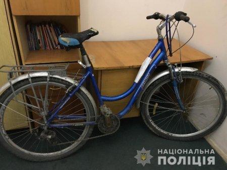 На Ужгородщині зловмисник побив та відібрав у чоловіка велосипед