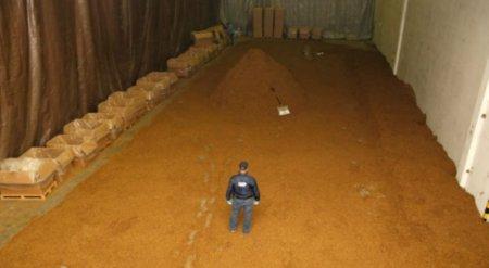 Українці у Польщі працювали, як раби на підпільній тютюновій фабриці (ВІДЕО)