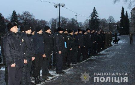 Поліція Закарпаття приступила до охорони громадського порядку у посиленому режимі