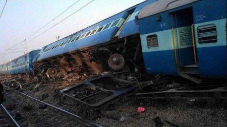 У поїзді знаходилося близько 200 чоловік: 10 вагонів зійшло з рейок, є постраждалі