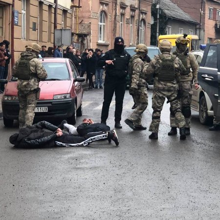 В Хусті затримано більше 10 наркодилерів(фото)