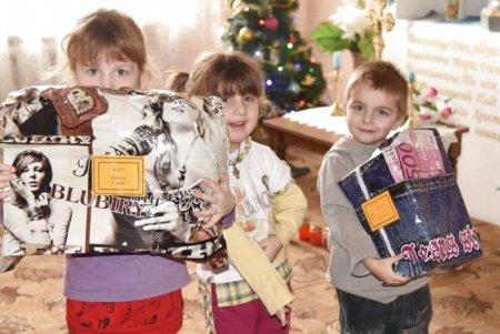 В Ужгороді збирають подарунки для літніх людей та дітей із сиротинців (ВІДЕО)