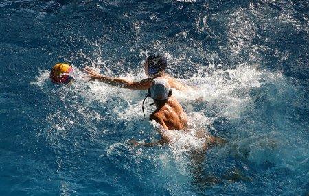 На ужгородському турнірі з водного поло змагалися спортсмени із трьох областей України