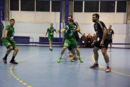 Чоловіча  команда з гандболу  «Карпати» зустрілася з УДХТУ