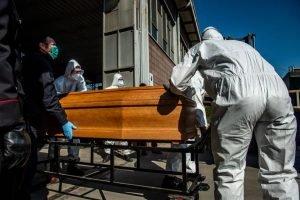В Україні померла ще одна жінка, в якої експрес-тест виявив коронавірус