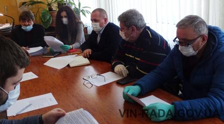 Виноградівська міська рада вживає  додаткові заходи щодо запобігання поширенню на території міста Виноградів коронавірусу COVID-19