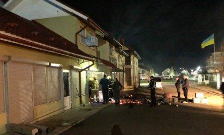 У Мукачеві вночі згорів торговий павільйон
