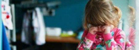 4-річна дитина близько 16 годин жила з трупом матері, яка померла від коронавірусу