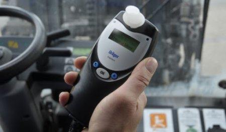 Поліцейські Закарпаття за добу зафіксували два випадки керування авто напідпитку
