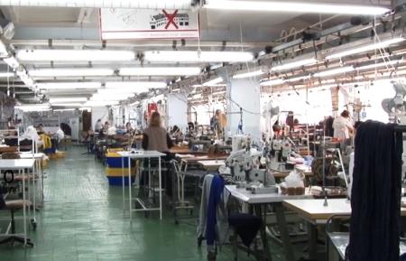Ужгородська швейна фабрика – одне з перших підприємств, яке перепрофілювалося і умовах карантину