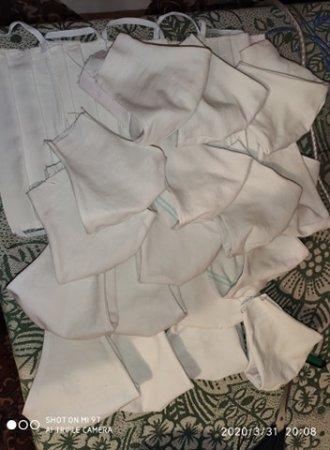 Рахівські майстрині шиють маски для місцевих медиків (фото)