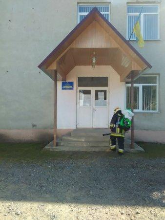На Тячівщині дезінфікують населені пункти району (фото)