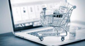 Закарпатка в інтернеті торгувала «невідповідними» ліками від коронавірусу