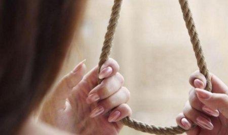 У петлі на Рахівщині знайшли 18-ти річну дівчину
