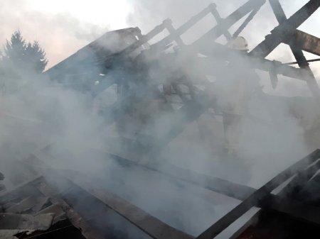 У Хусті рятувальники ліквідували пожежу в житловому будинку