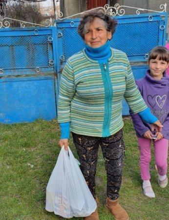 В Ужгороді 184 осіб уже забезпечили продуктовими наборами (фото)