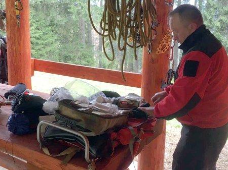 Рахівські рятувальники відточували навички з порятунку людей у горах