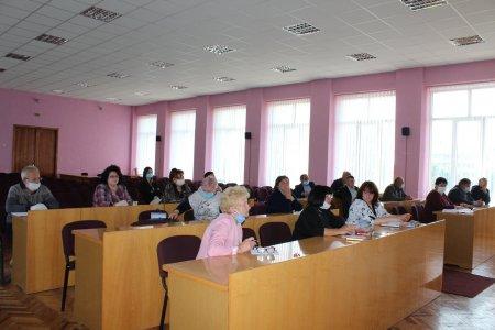 На Виноградівщині з директорами шкіл району обговорили впорядкування трудових відносин