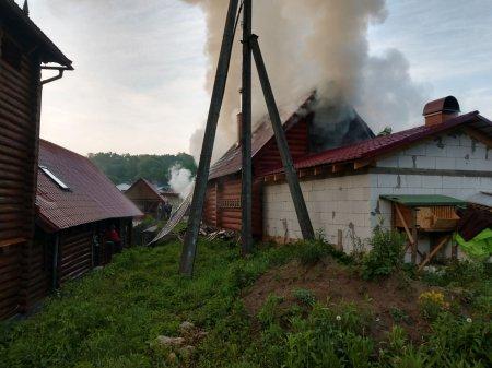 У Хустському районі горіла дерев'яна лазня