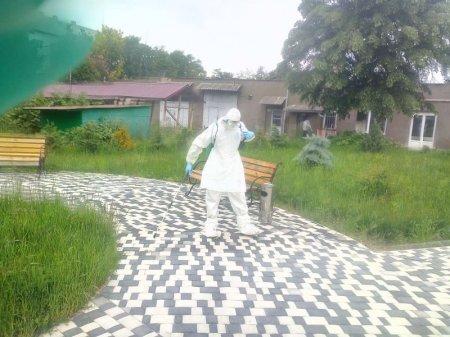 Мукачівські рятувальники провели дезінфікуючу обробку на території місцевого психоневрологічного інтернату