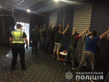 В Берегові поліцейські припинили незаконну діяльність грального заклад