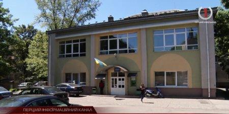 У Хустській районній лікарні на CoViD-19 захворіли 5 медпрацівників (відео)