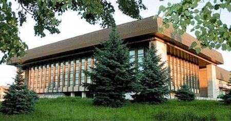 Ужгородський театр відновлює роботу (відео)