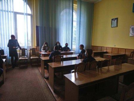 У Тячівському відділі поліції провели навчальну лекцію для підлітків