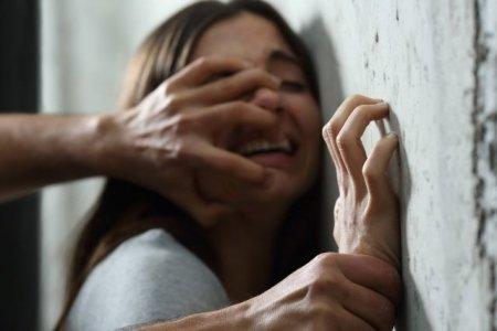 Нелюд зв'язав мотузкою двох неповнолітніх дівчат та жорстоко згвалтував: прокуратура розслідує справу