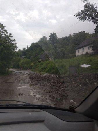 На Рахівщині через негоду підтоплено понад 100 житлових будинків та дворогосподарств (ФОТО)