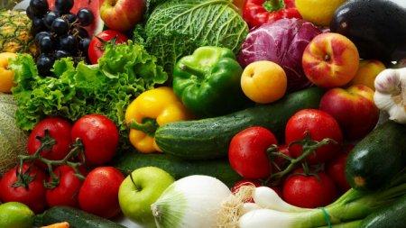 На Закарпатських ринках стрімко зростають ціни  на фрукти та овочі (відео)